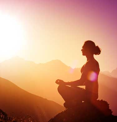 meditating-man-mountains